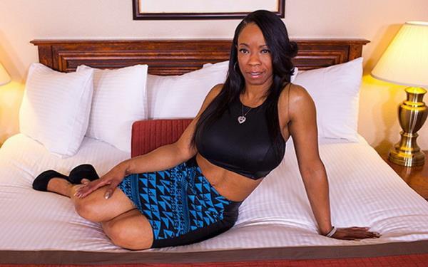 Monae - 44 year old voluptuous black momma (2019/SD)