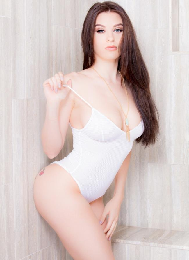 Lana Rhoades - 19 Year Old Natural Busty Teen Gets Covered In ...