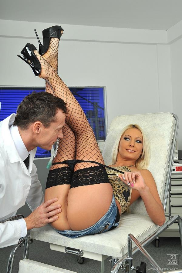 Doctor Love - Adelle [21Sextury] (HD 720p)