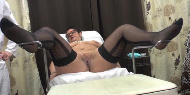 Kelly - Rendez vous chez le gyneco plus que prometteur pour Mme Kelly: 612 MB: HD 720p - [LaFRANCEaPoil]