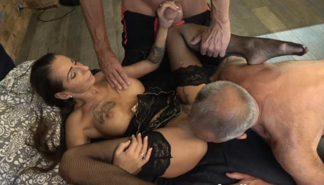 UNKNOWN-Granddad And Uncle Hiring Stripper [FullHD 1080p] FamilyScrew [2019/2.74 GB]