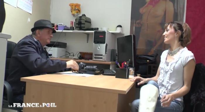 LaFRANCEaPoil: Papy Voyeur rempile pour les beaux yeux de Sheina, une fan inconditionnelle - Sheina [2019] (HD 720p)