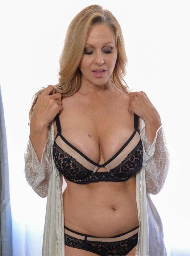 Julia Ann - Julia Ann Real Sex Experience: 2.36 GB: FullHD 1080p - [Spizoo.com]
