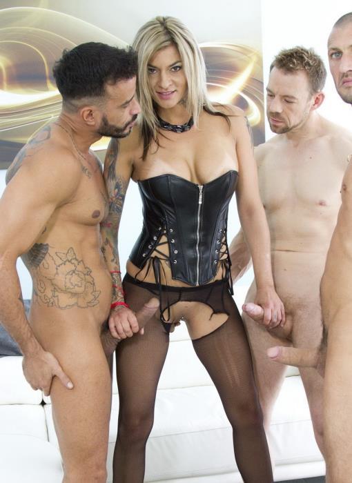 Klarisa Leone: Sexy MILF Klarisa Leone double anal (DAP) with 3 studs SZ1361 (FullHD / 1080p / 2020) [LegalPorno]