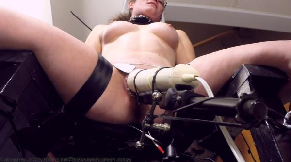 Almost like my vibrator but more stingy - Unknown [LovinglyHandmadePornography] (FullHD 1080p)