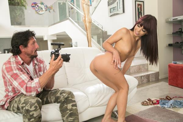 Family bills - Gina Valentina [PrettyDirty] (FullHD 1080p)