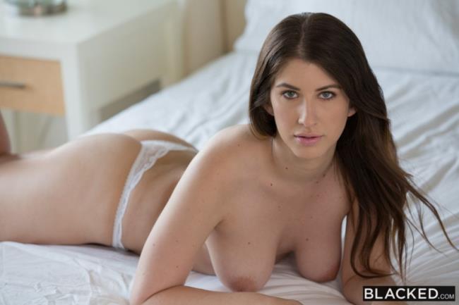 Karina White - Girlfriend Cheats With BBC on Vacation: FullHD 1080p - 3.44 GB (Blacked)
