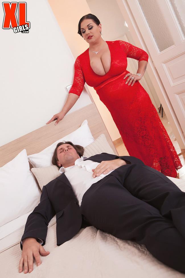Nila Mason - Sex Night: 1.02 GB: FullHD 1080p - [ScoreHD.com (PornMegaLoad.com)/XLgirls.com]