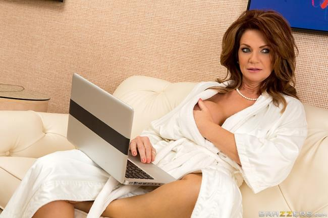 Deauxma - The Squirting Specialist: 2.77 GB: FullHD 1080p - [ShesGonnaSquirt.com/Brazzers.com]