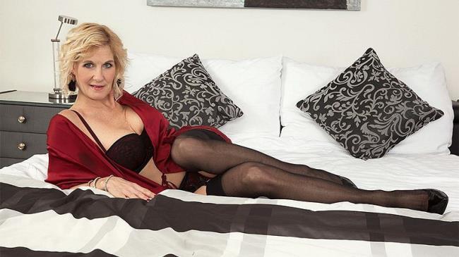 Molly Maracas - A quiet country girl who loves cum: 1.32 GB: FullHD 1080p - [ScoreHD.com (PornMegaLoad.com)/50PlusMilfs.com]