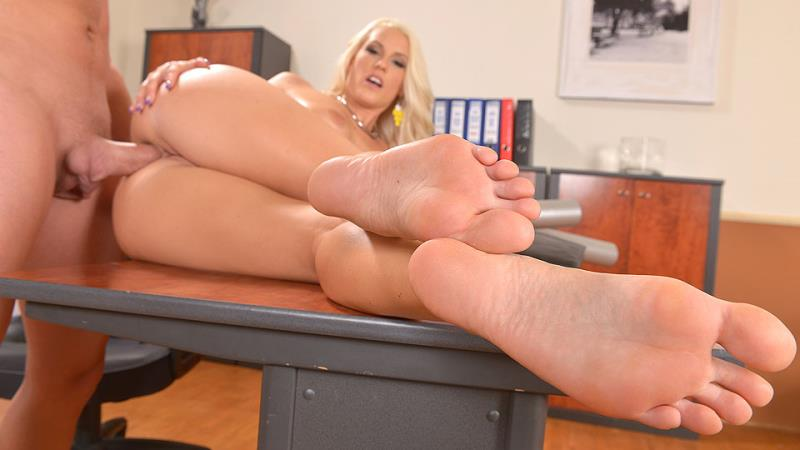 Blanche Bradburry - In The Know From Tip To Toe [FuckinHD] 2020