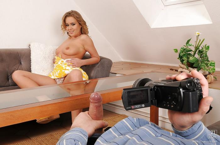 Zoliboy/21Sextury: Smile for the camera - Colette W. [2020] (HD 720p)