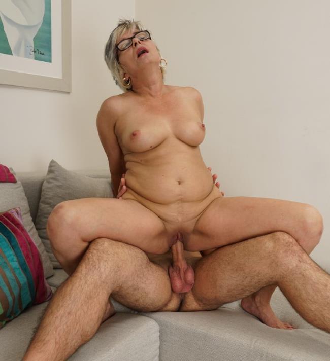 Luciane (43) - mat alex262: 1.04 GB: HD 720p - [Love-Moms.com/Mature.nl]