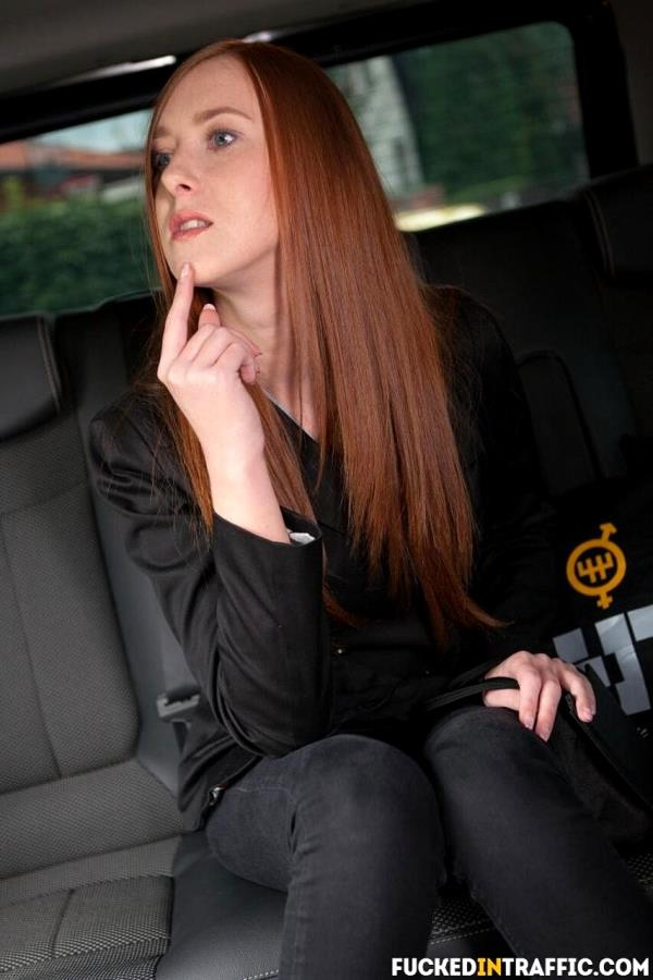 Hardcore car fuck with beautiful Czech redhead teen - Linda Sweet [FuckedInTraffic/PorndoePremium] (HD 720p)