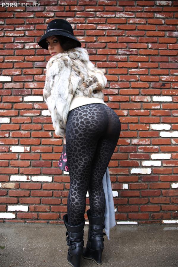 PornFidelity: Valentina Nappi - Foto Di Valentina (SD) - 2020