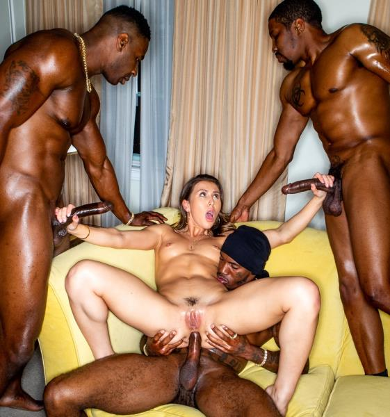 Paige Owens - First Time X3 [BlackedRaw 2160p]