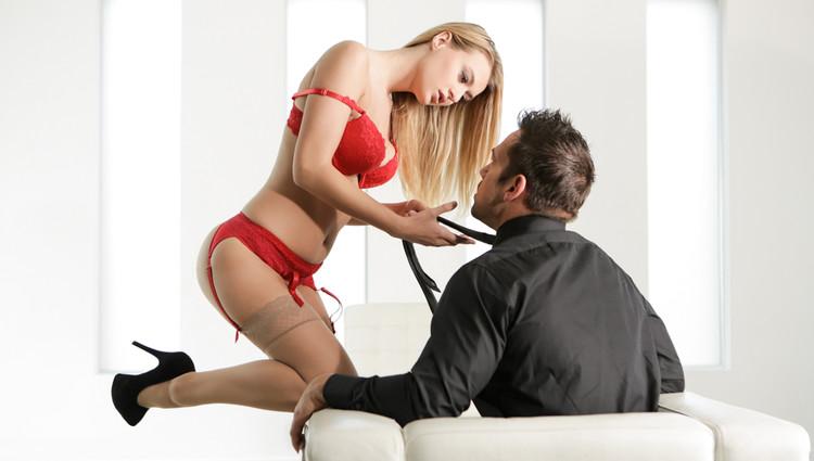 Natalia Starr: Crimson Seduction (SD / 544p / 2020) [EroticaX]