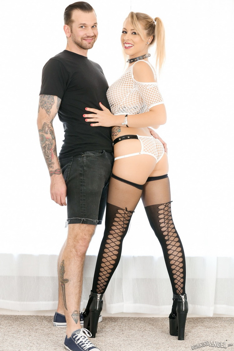 Zoey Monroe: Zoey Monroe Anal (FullHD / 1080p / 2020) [BurningAngel]