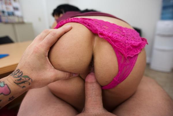 FORGET ABOUT IT - Bella Reese [BackroomMILF/BangBros] (HD 720p)