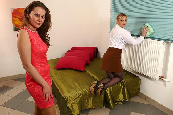 Bisexual housewives share a hard cock - Audrey (37), Helga (36) [Mature.eu/Mature.nl] (FullHD 1080p)