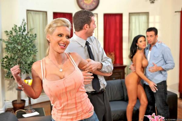 Swappers - Phoenix Marie and Mason Moore [RealWifeStories/Brazzers] (SD 432p)